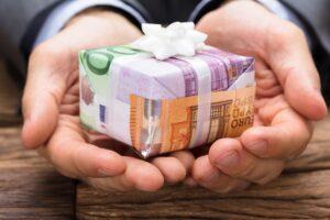 Geldgeschenke an Mitarbeiter